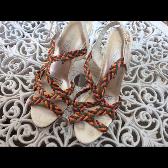 Vintage Shoes - 💥SUMMER Close Out. Vintage Strappy Sandal Heels 9